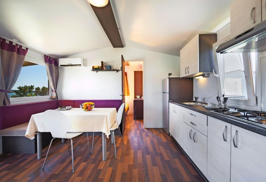 Aminess Sirena Campsite Holiday Homes, Novigrad, Istrien, Kroatien, Wohnbereich Premium Village
