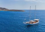 Motorsegler im Ionischen Meer.