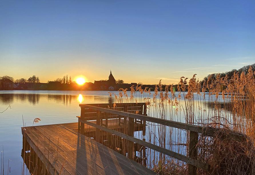 Sonnenuntergang am See.