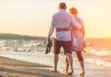 Genießen Sie geruhsame Spaziergänge bei zauberhaften Sonnenuntergängen.