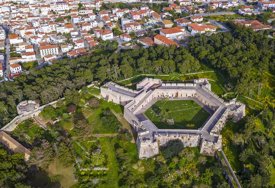 Luftansicht von Pylos mit Burg