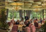 Gäste im Restaurant vom Maritim Hotel Bad Salzuflen.
