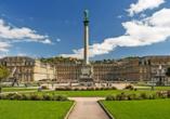 Unternehmen Sie einen Ausflug nach Stuttgart mit einzigartigen Sehenswürdigkeiten, wie dem Neuen Schloss.