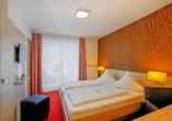 Hotel Lindenhof Osterspai Rhein, Zimmerbeispiel Balkon