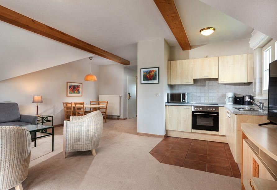 Wohn- und Küchenbereich im 2-Raum-Appartement.