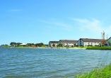 Herzlich willkommen im Hotel Dorf Wangerland mit Zugang zum Freizeitsee!