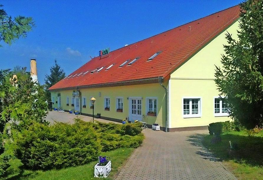 Autorundreise Ostdeutschland, Außenansicht Hotel Am Mühlberg Lübbenau