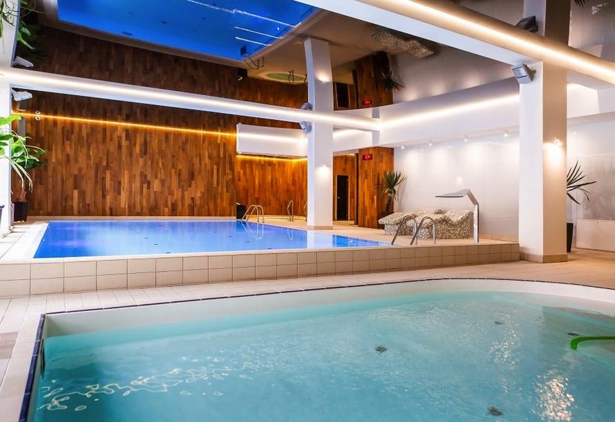 Hotel Jantar Wellness & Spa in Stolpmünde, Hallenbad