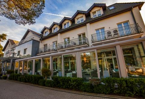 Hotel Jantar Wellness & Spa in Stolpmünde, Außenansicht