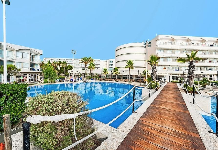 Außenpool des Beispielhotels EIX Platja Daurada in Can Picafort