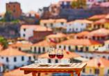 Eine Verkostung des traditionellen Madeira-Weins ist für Sie bereits inkludiert.
