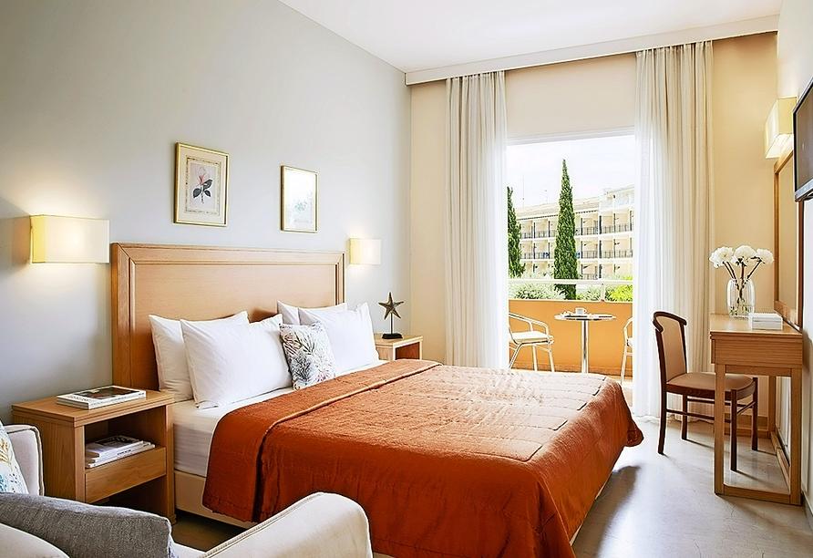 Beispiel eines Doppelzimmers Gartenblick im Hotel Delfinia