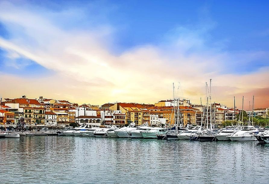 Besuchen Sie den schönen Hafen von Cambrils.