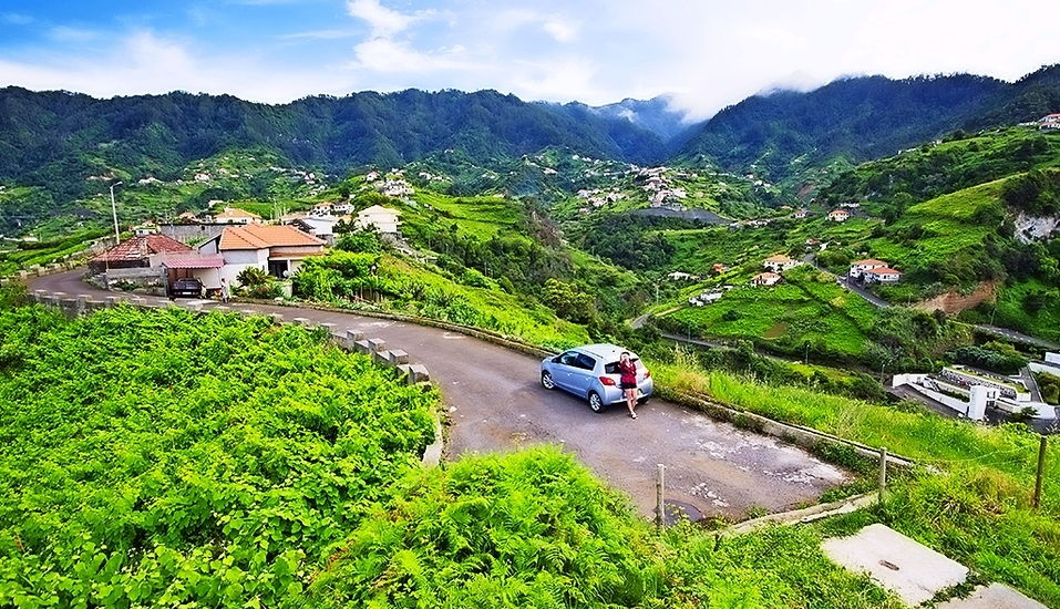 Mit dem Mietwagen können Sie die vielseitige Insel Madeira erkunden.