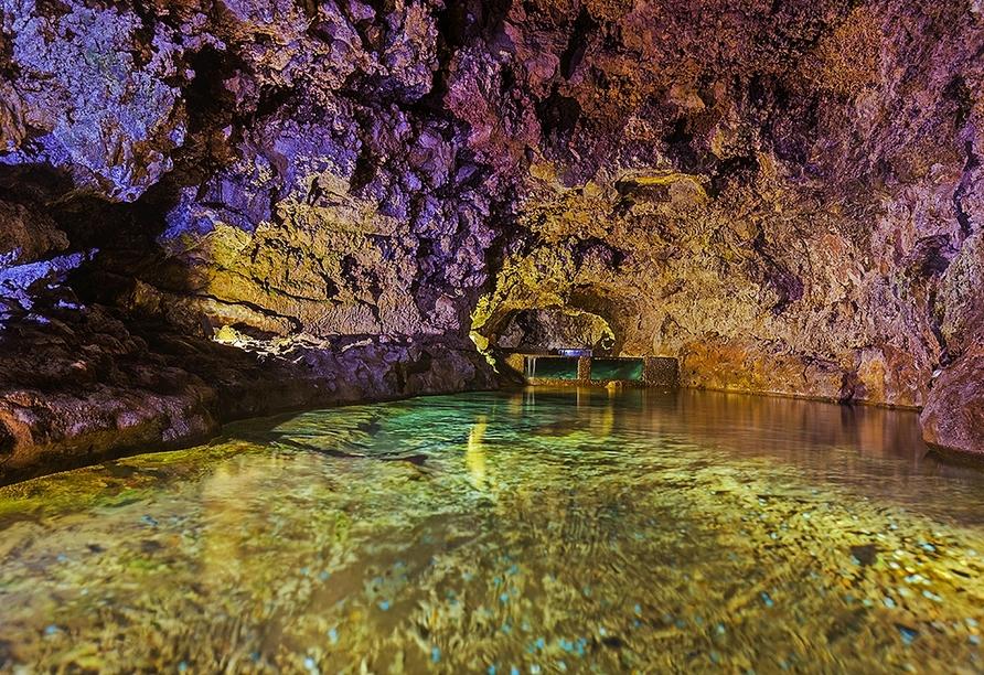 Ein Ausflug zu den vulkanischen Höhlen von São Vicente lohnt sich.