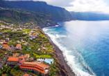 Ihr Hotel begrüßt Sie an der Nordküste Madeiras.