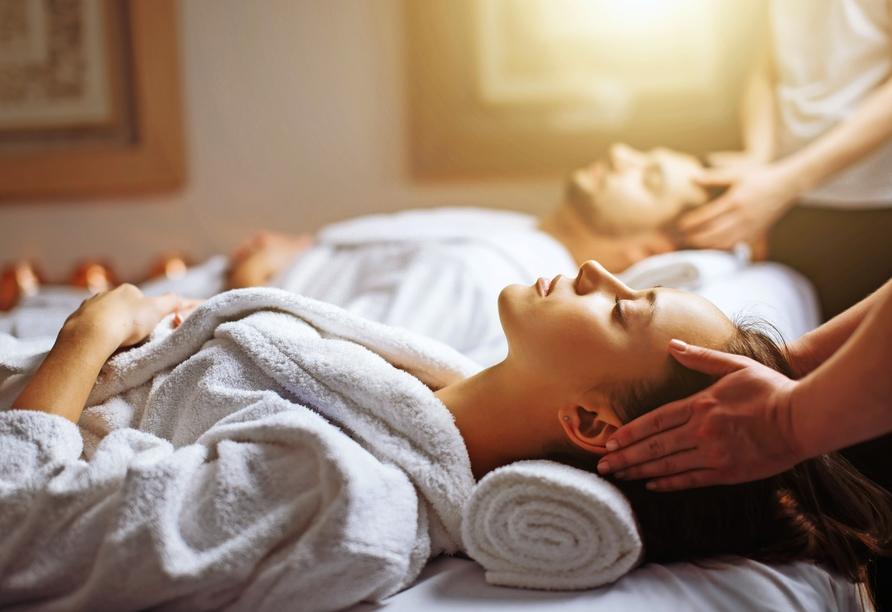 Entspannung finden Sie bei einer erholsamen Wellnessanwendung.