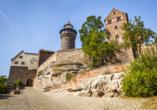 Die mächtige Kaiserburg ist das Wahrzeichen Nürnbergs.