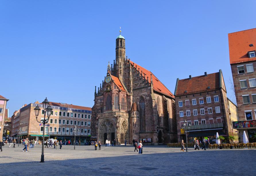 Die Frauenkirche befindet sich direkt im Herzen der Nürnberger Altstadt.