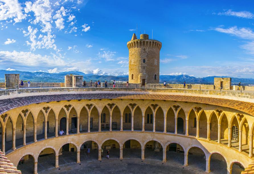 Freuen Sie sich auf einen Fotostopp am Castillo Bellver in Palma de Mallorca.