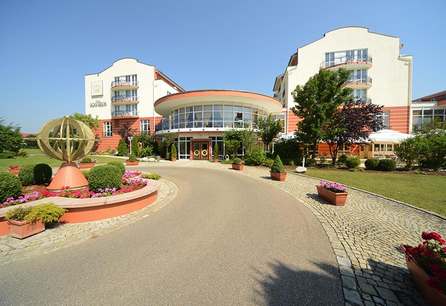 The Monarch Hotel, Außenansicht