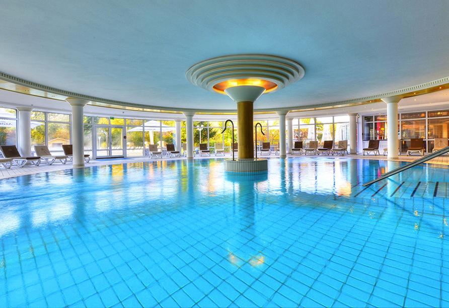 The Monarch Hotel, Innenpool