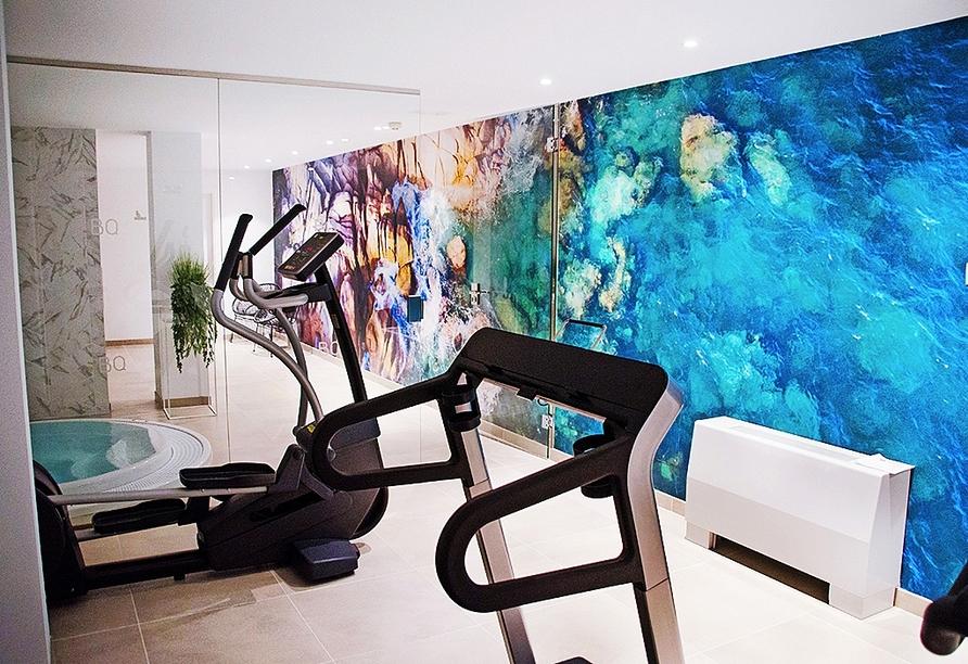 Im Fitnessraum des Hotels können Sie sich auspowern.