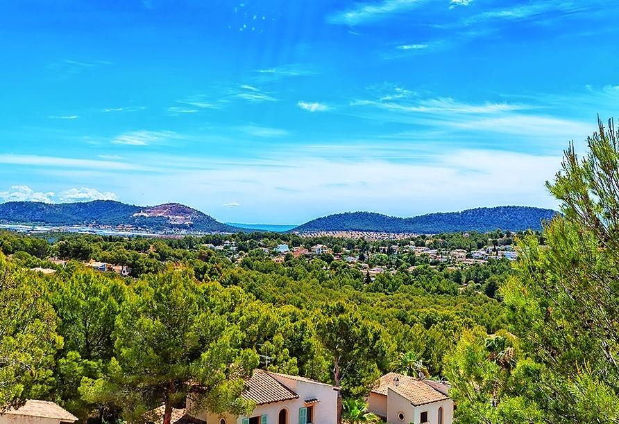 Paguera liegt inmitten einer atemberaubenden Landschaft.