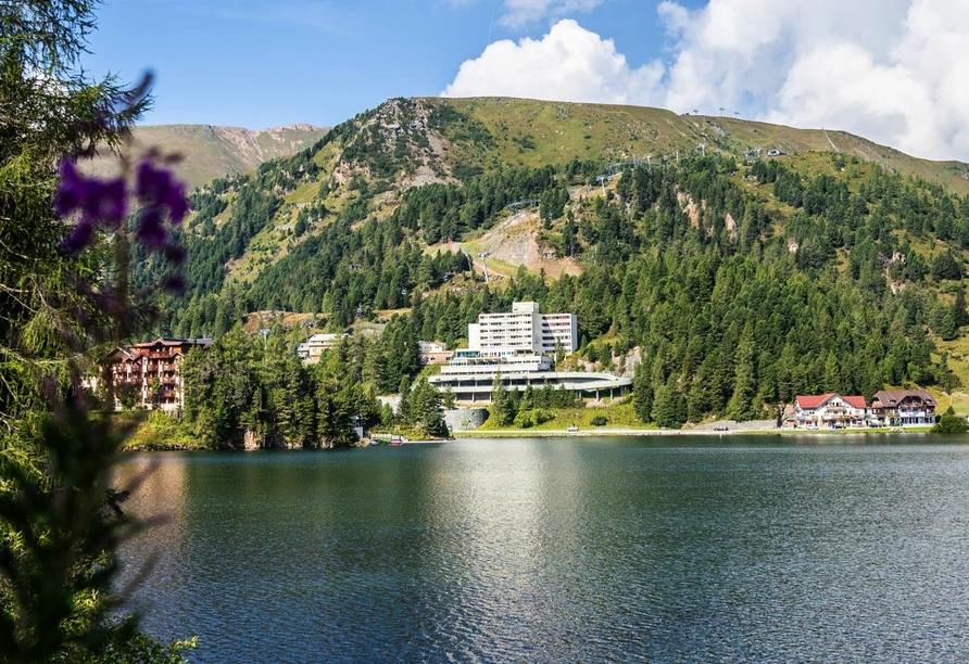 Panorama Hotel Turracher Höhe in Ebene Reichenau, Österreich, Außenansicht