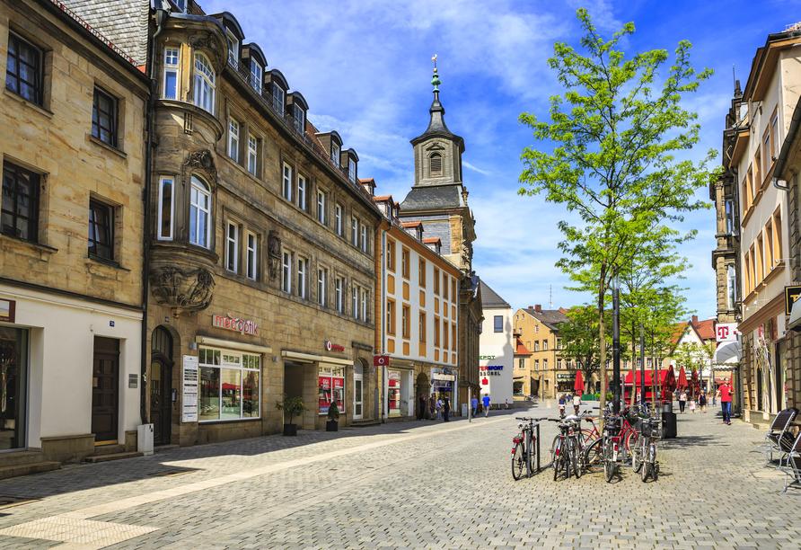 Die Innenstadt Bayreuths lädt zu einem Spaziergang ein.