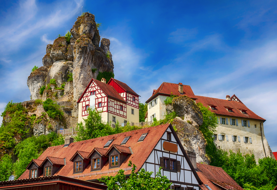 Die hochaufragenden Felsformationen in Tüchersfeld sind äußerst beeindruckend.