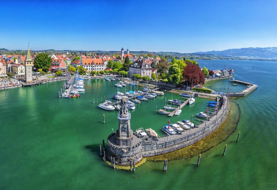 Zu einem Ausflug lädt insbesondere die schöne Stadt Lindau am Bodensee ein.