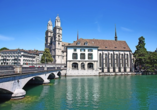 Der Grossmünster ist das Wahrzeichen von Zürich.