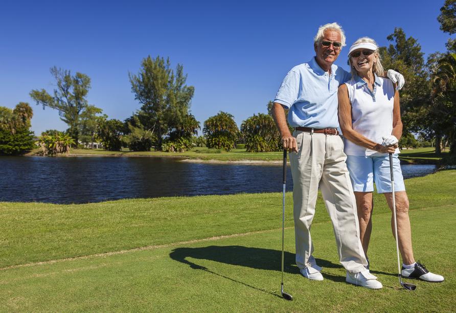 Spielen Sie eine Runde Golf auf den Golfplätzen der Region.