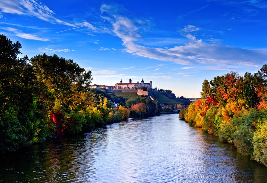 Würzburg mit der Festung Marienberg im Hintergrund