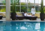 Das schöne Hallenbad des Hotels lässt Sie Körper und Geist entspannen.