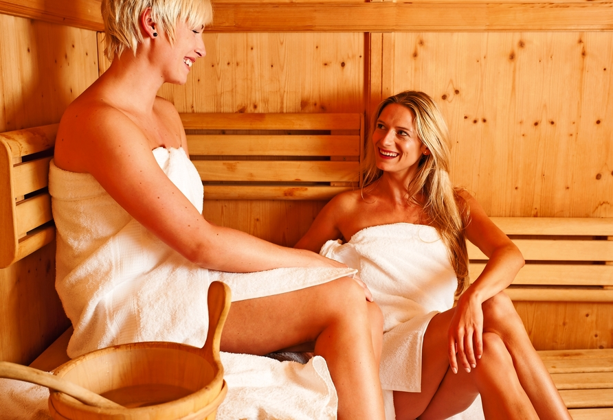 Genießen Sie wohltuende Stunden in der Sauna.
