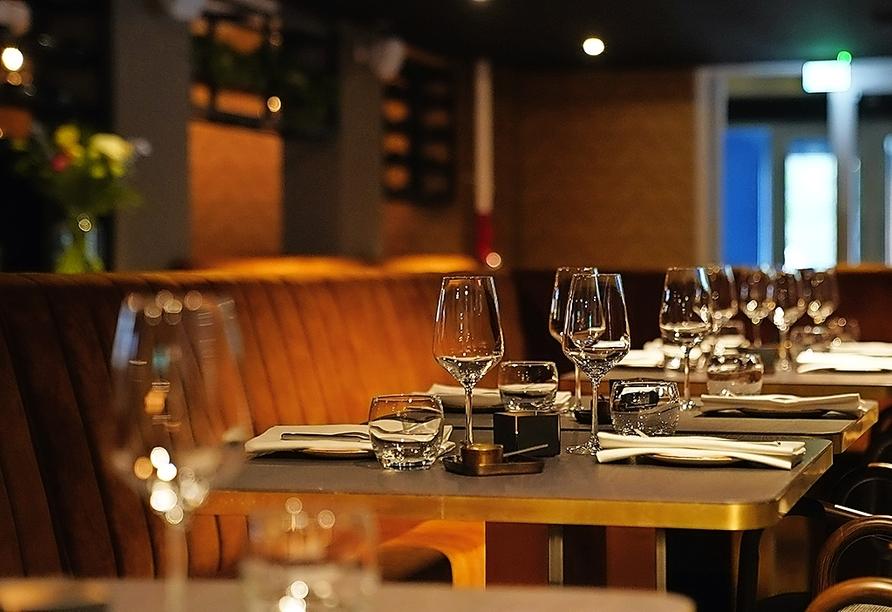 Ihr Hotel verwöhnt Sie mit einem Restaurant und einer Bar.