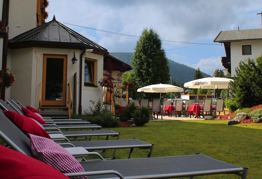 Sporthotel Xander, Leutasch, Österreich, Liegewiese