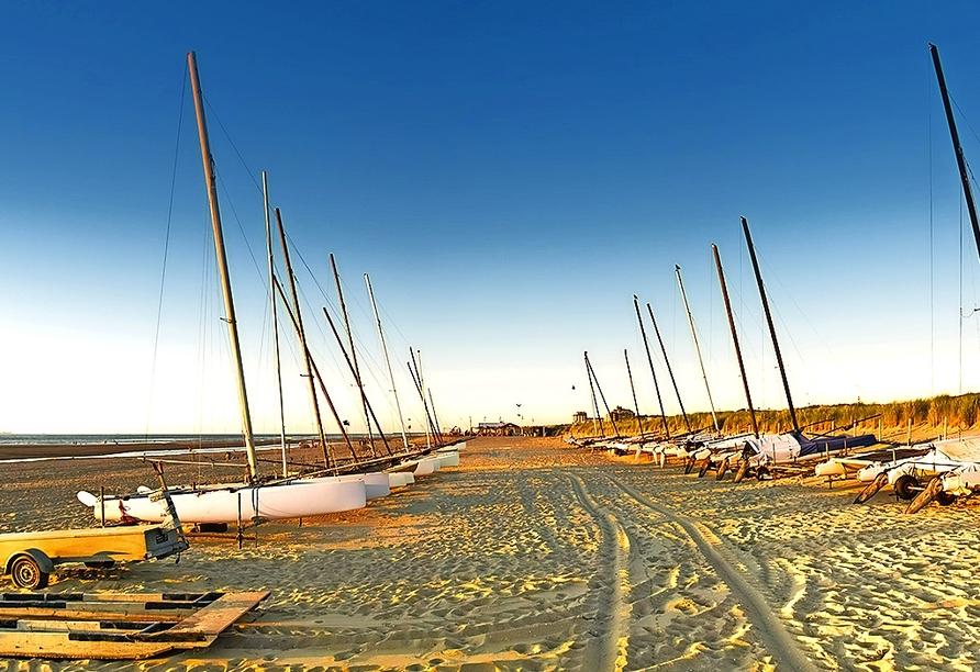 Der Sandstrand Kijkduin liegt direkt vor Ihrem Hotel.