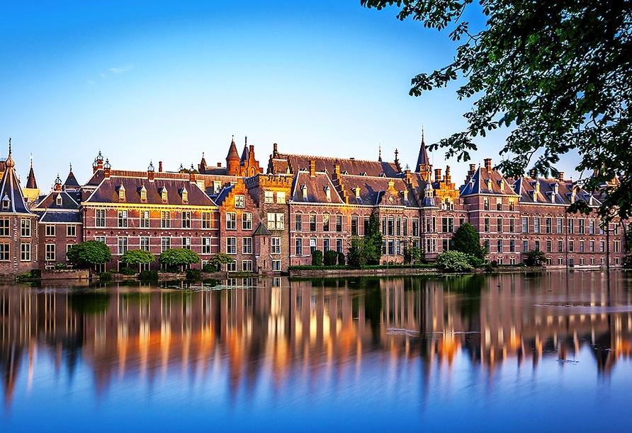 Der Binnenhof in Den Haag ist ein Muss bei Ihrem Besuch.