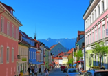 Auch der schöne Ort Murnau am Staffelsee liegt auf dem Weg.