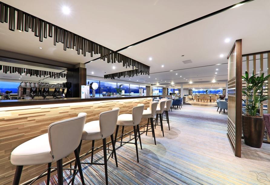 MS Adora, Bar in Panorama-Lounge
