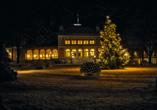 Hotel König Albert in Bad Elster, Königliches Kurhaus mit Beleuchtung