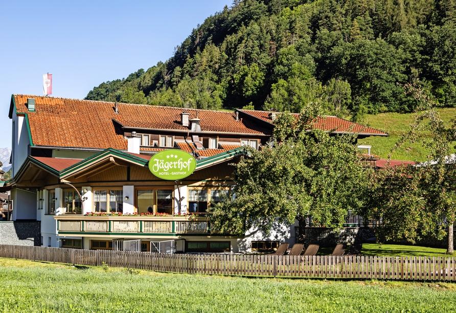 Hotel Jägerhof in Oetz, Außenansicht Tag