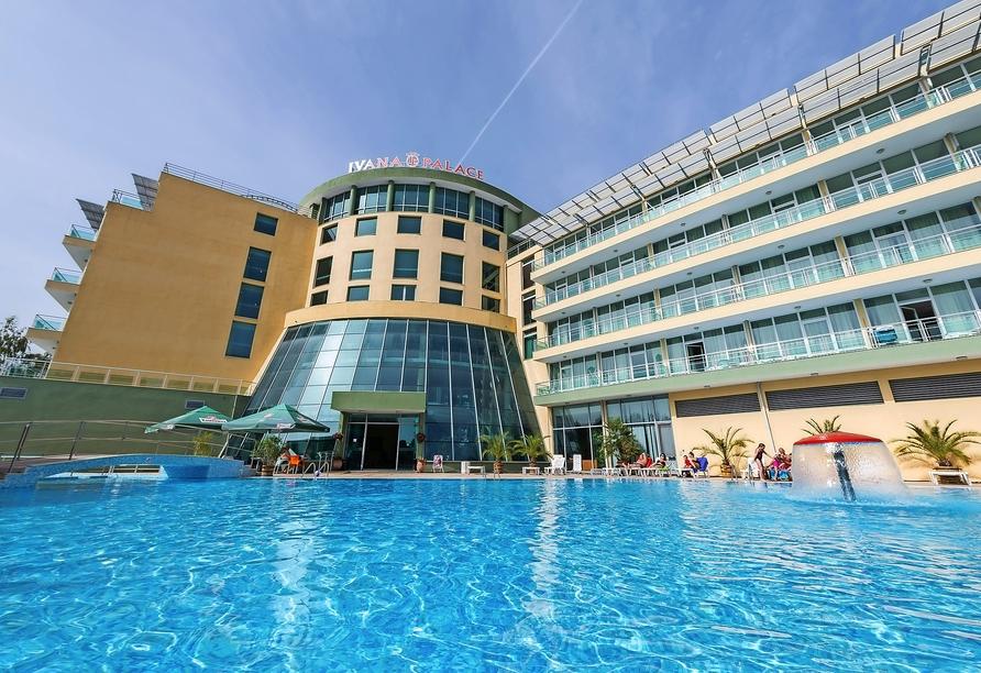 Hotel Ivana Palaca Sonnenstrand, Poolbereich