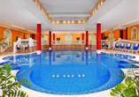 Im Thermalhallenbad können Sie entspannte Stunden verbringen.