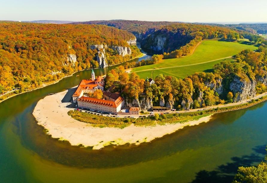 Besuchen Sie das Kloster Weltenburg in Kelheim – es liegt in einer wunderschönen Umgebung.