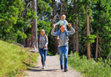 Ob alleine oder mit der Familie – das Salzburger Land bietet sich für ausgiebige Wanderungen an.