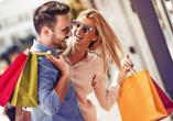 Freuen Sie sich zudem auf ausgiebige Shoppingtouren in den Geschäften Stuttgarts.